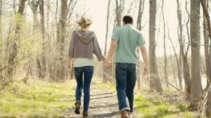 couple-walking-walk-a-day_650x366