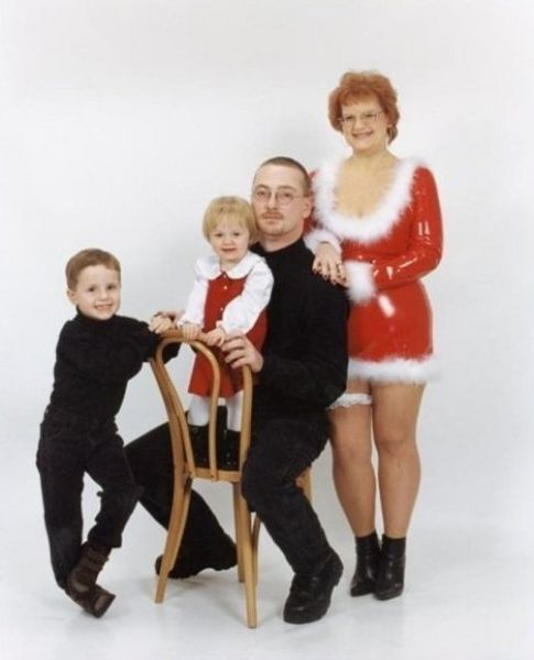 weird_christmas_photos_640_15