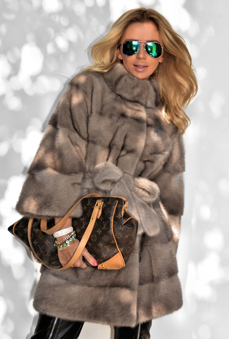 marco-gianotti-platinum-mink-fur-coat-3457-00a8