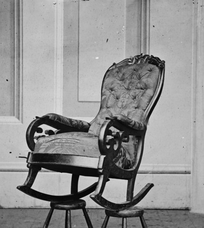 1216_rocking_chair_used_by_president_lincoln_in_fords_theater.jpg
