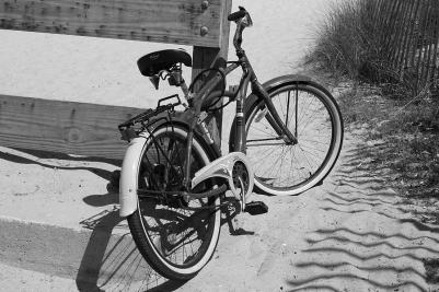 beach-bike--black-and-white-paulette-thomas.jpg