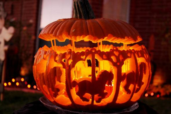 2013-10-10_post_creative-carved-pumpkins-carousel