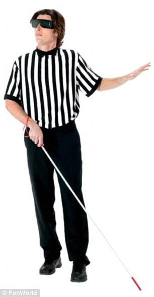 2d337eb400000578-3262648-blind_referee_costume-m-20_1444322041130